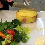 baked_potato_with_egg_sliced_lengthwise
